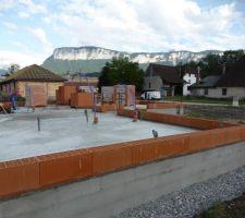1er jour élévation des murs en briques
