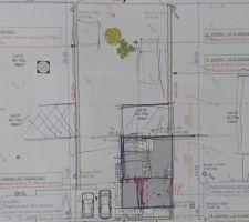 Le plan de masse du constructeur. La bande principale (R+1) est de 12m en partant de la bordure du terrain en bas et il y a ensuite 6 de bande secondaire (R)