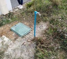 Le robinet de chantier, fraîchement posé lui aussi ;)