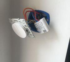Installation boitier delatdore pour éclairage extérieur