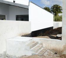 Escalier d'accès à la partie arrière du jardin