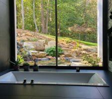La vue de la baignoire chez izo + 7 autres photos