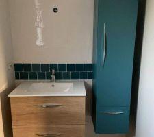 Vasque salle d'eau filles