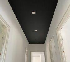 Peinture plafond couloir (noir)