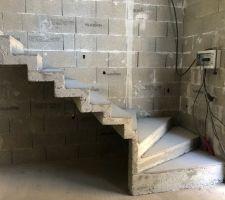 Coulage terminé et escalier décoffré