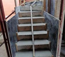 11e jour : escalier en cours - escalier coulé