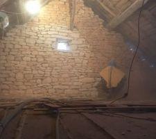 Etage intérieur en cours de sablage