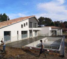 Piscine/terrasse : terrasse coulée, du très beau travail !