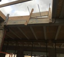Préparation dalle étage avec rupteur de ponts thermiques