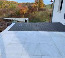 Extension terrasse en lames composite terminée