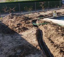 Tranchée de 50m pour arroser le potager + mettre une arrivée d'eau a l'autre bout du jardin