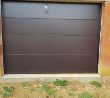 Porte de garage RAL 8019S
