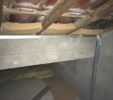 Panneau 40 mm entre chevrons avec poutre beton de soutien