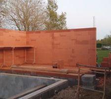 Pool house en cours de construction, enfin !