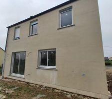 Visite le 01/02/2021 le façadier est venu faire le reste de la sous-couche de la maison (entre le 25/01/2021 et le 01/02/2021) <br /> Photos datant du 06/02/2021. <br />  <br /> façade Est