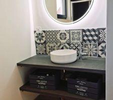 La salle de bain du rdc, chambre d'amis à bien avancé !