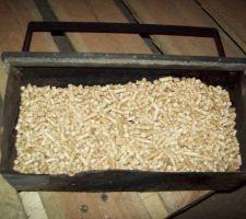 Etat du tiroir après intervention du 16 mars ... Des pellets non consommés tombent en masse : c'est une grande première !