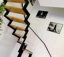L'escalier s'habille en noir et blanc