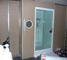 Pose du placo dans la salle de bains