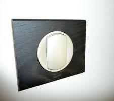Interrupteur dressing et salle de bain, Legrand série Wenge