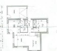 plan de rdc avec le garage au nord et l'entree est, cuisine ouest