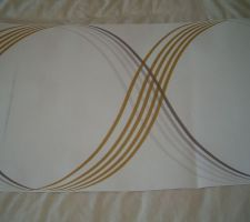 Papier qui devrait se trouver au niveau de notre tête de lit! Le reste sera en peinture taupe.