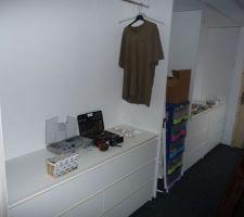 Placard /dressing sur palier a l'étage