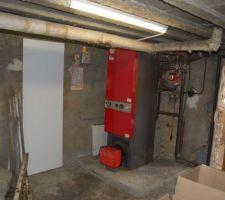Sous sol et emplacement chaudiere chappée avec bruleur Fioul Mectron 5MR.