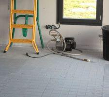 Pompe de mise sous pression des serpentins pour détecter les fuites