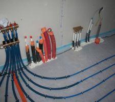 Collecteur buanderie, et servitudes diverses (PAC / ECS thermo et distribution d'eau chaude)