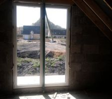 Porte fenêtre chambre étage