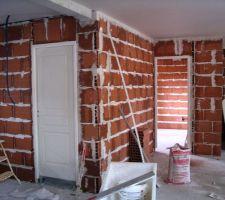 En premier Plan porte WC et au second plan Chambre 1.