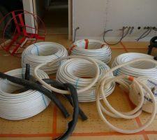 1km200 de tuyau dans la maison (PER multicouche)