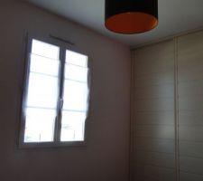 rideaux poses dans la chambre 2
