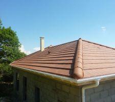 Et une belle cheminée sur un beau toit :-)