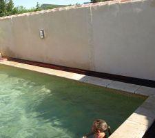 Arrière de la piscine fini