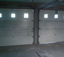 Les portes de garage vues de l'intérieur