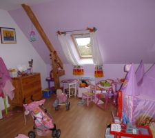Chambre de notre fille en bazar !!!!