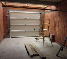 Vue garage intérieur