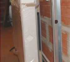 Fixation d'un radiateur sur un mur