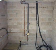 Evacuation salle d'eau   mplacement chauffe eau sur la marche a gauche