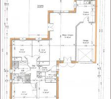 Maison composé de 2 carrés juxtaposés sur un angle.