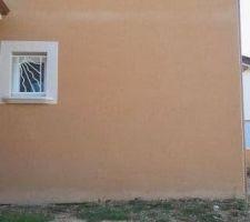 probleme de taches en bas et sur la facade