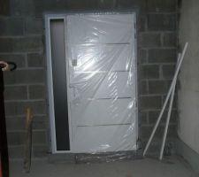 Porte d'entrée vue de l'intérieur