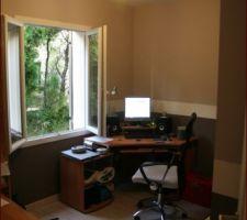 Voici mon bureau avec mon bazar photo