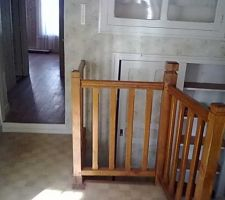 porte dans l escalier se bloquant