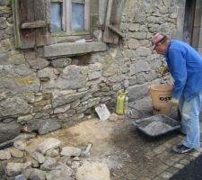 Rebouchage des trous dans les mur