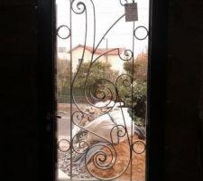 La porte d'entrée vu de l'intérieur