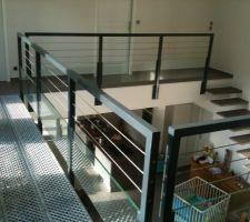 vue de la coursive et de l escalier suspendu