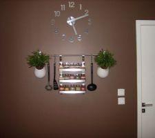 Horloge et pots a épices pour Madame